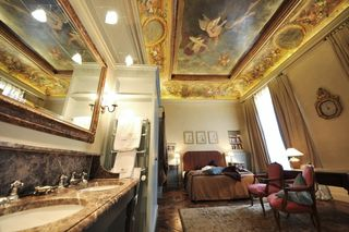 Fresco-room-hotel-saints-peres-CheckYourRoom-Paris-10