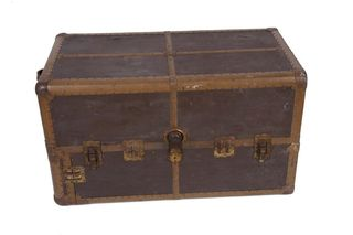 Ic steamer trunk